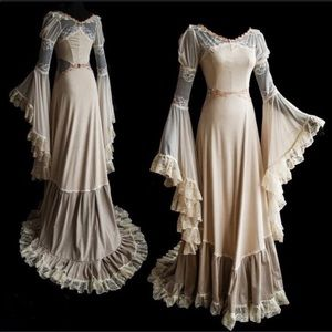 Dresses & Skirts - Medieval Style Floor Length Wedding Princess Dress